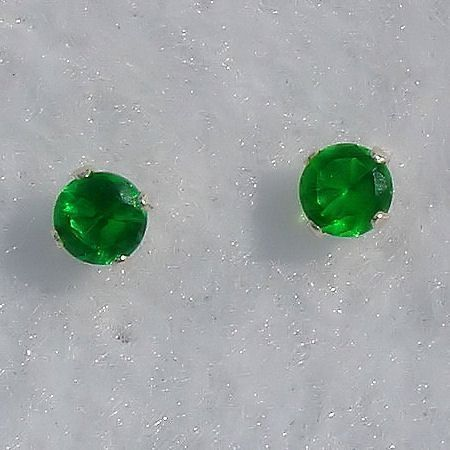 5mm 1.0ct created Emerald Stud Post Earrings 925 Silver