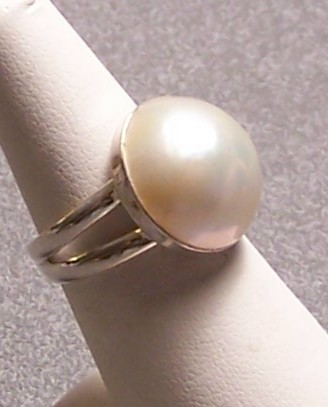 Primary image for Mabe Pearl Sterling Silver Ring Creamy White 17mm SZ 7.5 MADE IN USA