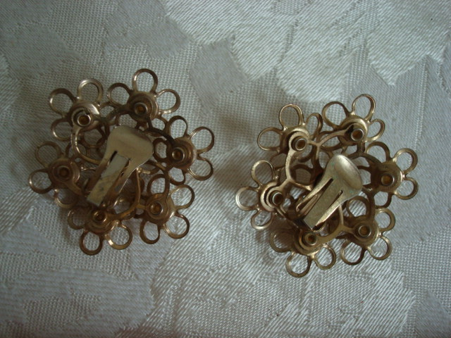Big Vintage Gold-tone Flower Earrings ~ Imitation Pearls ~ 1 3/4 In.