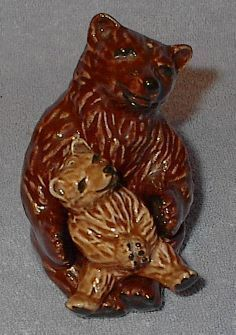 Brown bear salt pepper1