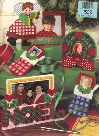 Leasure Arts #1530, Picturing Christmas in Plastic Canvas, 9 Holiday projects