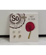 SO Sweet As Sugar Pair Of Pearl and Gold Tone Star Rhinestone Stud Earri... - $4.99
