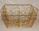 Goldtone wire basket thumb155 crop
