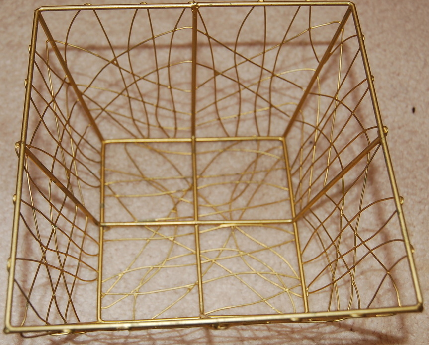 Gift Basket Goldtone Wire from Avon 5 inch Square