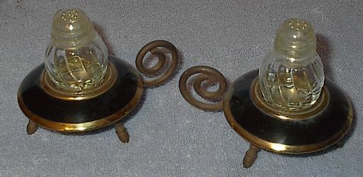 Lamp Lantern Figural Salt and Pepper Shaker Set