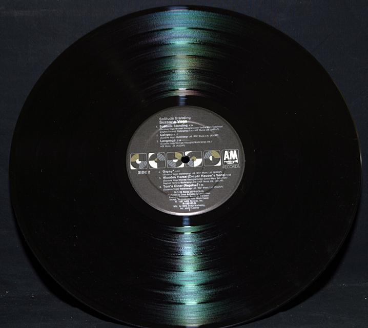 "Suzanne Vega ""Solitude Standing""   LP"