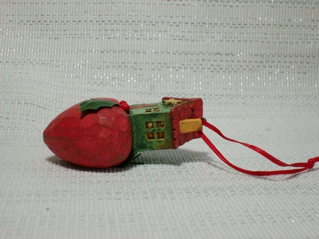 """HOME IS WHERE THE HEART IS"" Christmas Ornament - How Cute Is This?"