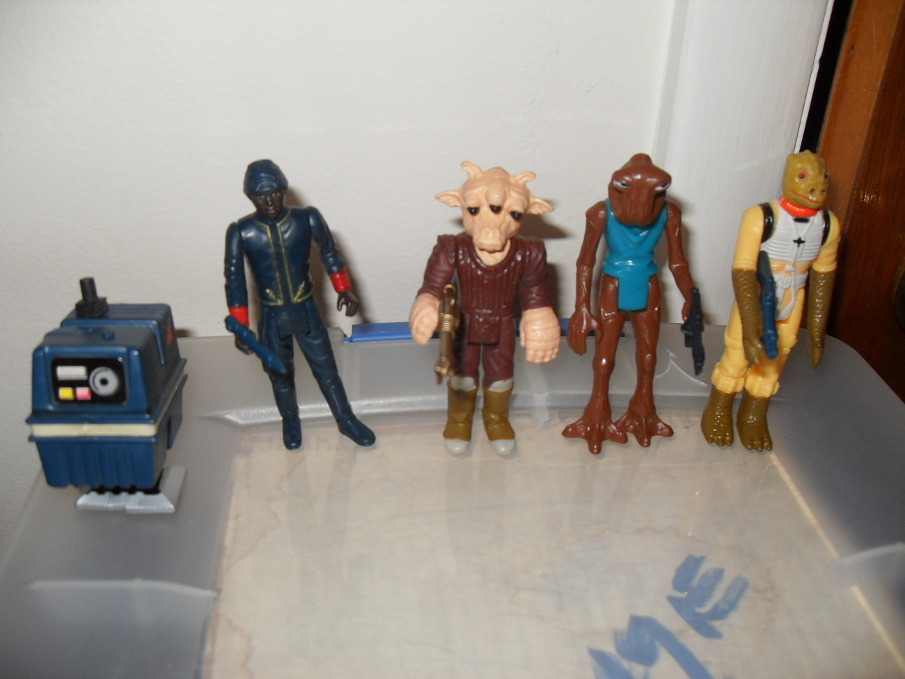 Vintage Star Wars Figures Complete With Weapons  1978 - 1983