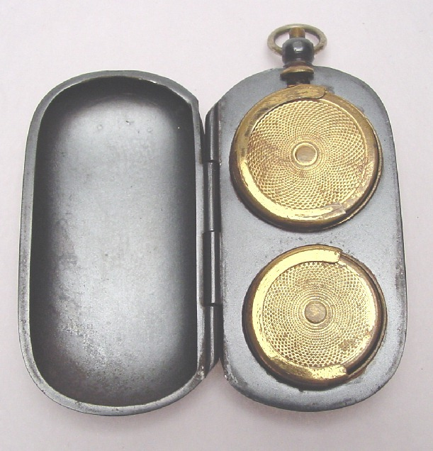 VICTORIAN GUNMETAL COIN PURSE