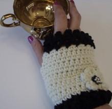Cream and Black Fingerless Gloves/crochet/handmade/gift/women/glovelettes  - $15.00