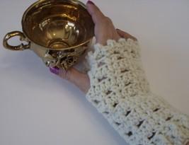 Cream Lace Fingerless Glove/crochet/glovelettes/handmade/ivory/gift/women - $15.00