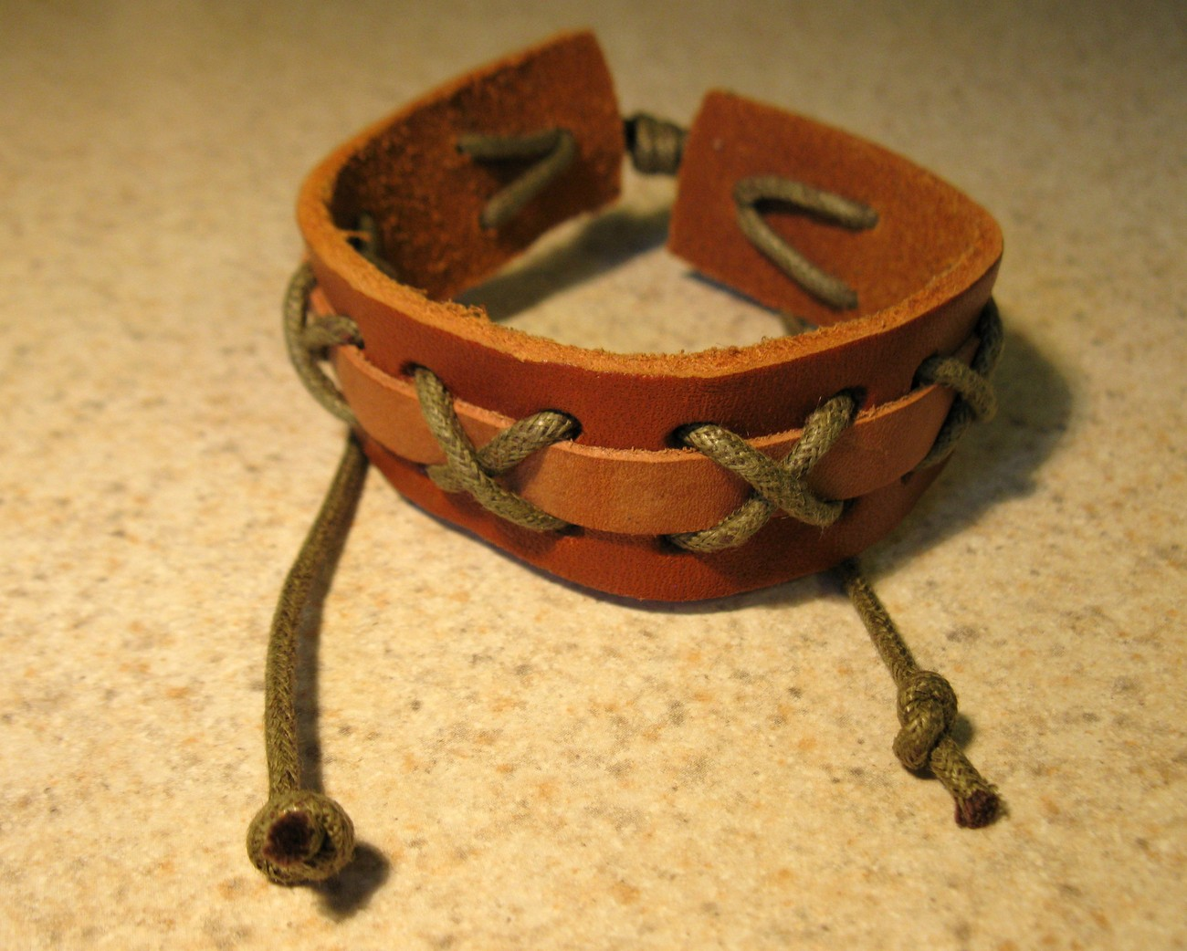BRACELET MEN WOMEN TAN LEATHER CROSS-STITCH UNISEX New #40