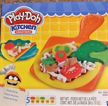 Play-Doh Kitchen Creations Pizza Party Set - $10.39