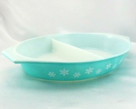 Pyrex Snowflake Turquoise Divided Dish 1.5qt ~ Made in the USA - $14.95