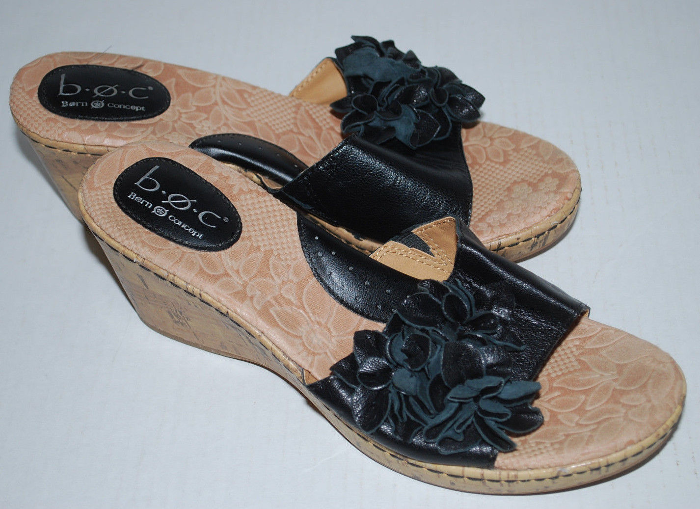 Born Shoes Womens 9 Black Applique Flowers Wedge Cork Heel Leather 40.5 b.o.c.