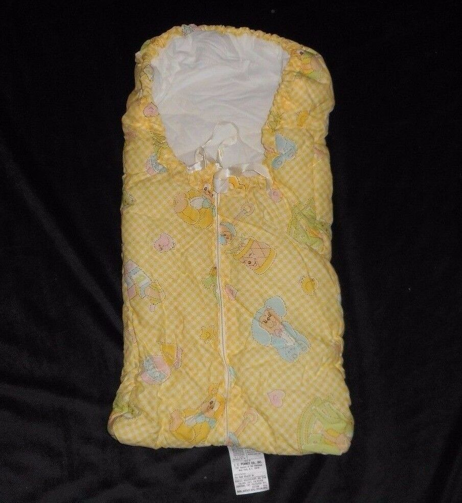 Primary image for VINTAGE JC PENNY BABY INFANT TEDDY BEAR QUILT YELLOW ZIP UP SLEEPING BAG BEDDING
