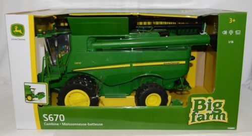 John Deere TBEK46070 Big Farm S670 Combine With Grain Head