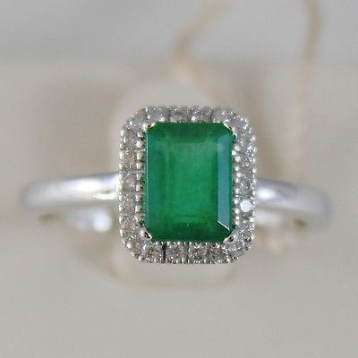18K WHITE GOLD RECTANGULAR RING, DIAMOND & EMERALD, 1.27 CARATS, MADE IN ITALY