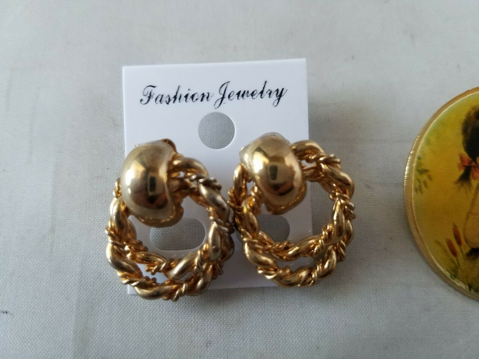 Vintage Fashion Jewelry Round Pin Brooch With Little Girl Matching Hoop Earrings