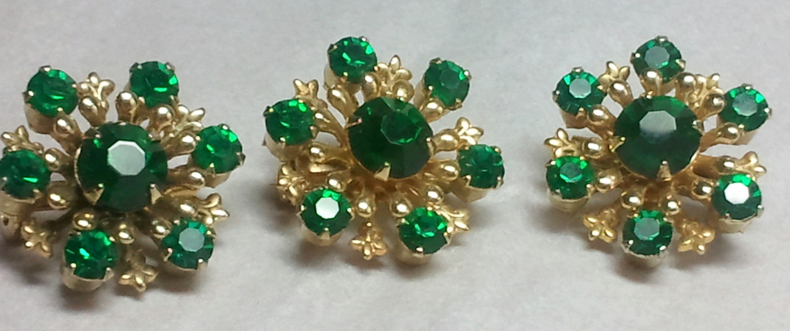 3 Vintage Emerald Green Scatter Pins