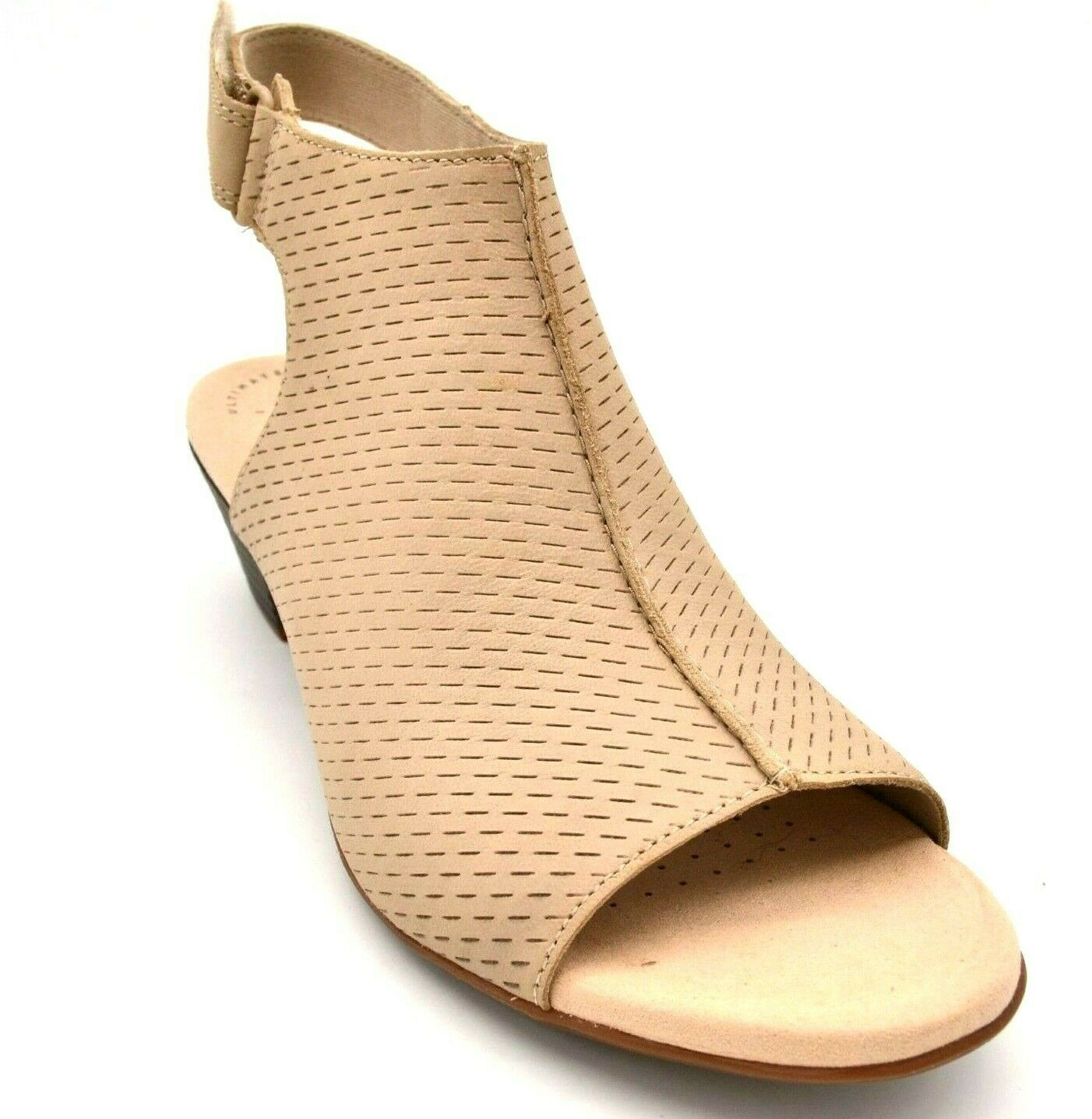 Clarks Womens Valarie James Nubuck Leather Perforated Sandals Sz 8.5M Sand NEW  - $39.59