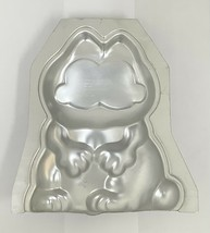 Garfield 3D Cake Tin Mold Wilton 1981 - $19.79