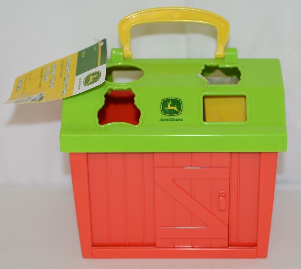 John Deere TBEK46313 Barnyard Shape Sorter Includes 14 Shapes