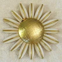 Avon Daisy Glace Pin Gold Plate Empty Locket Poison Brooch 1960s VTG BEA... - $19.76