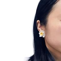 Handmade Narcissus Flower Elegant Stud Earrings Brand New - $16.99