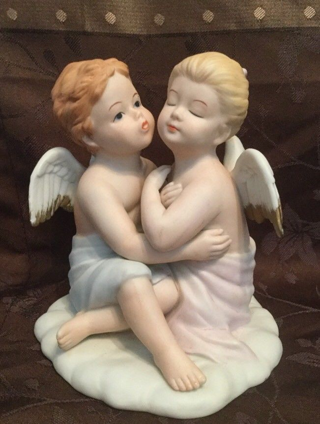 KISSING ANGELS 8838 Girl and Boy Porcelain Bisque Figurine Homco Home Interiors  - $29.99