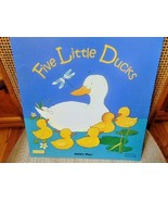 Five Little Ducks Classic Books W/Holes-Illustrated by Penny Ives-Read-L... - $11.50