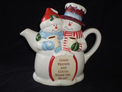 Hershey Snowpeople Cocoa pot