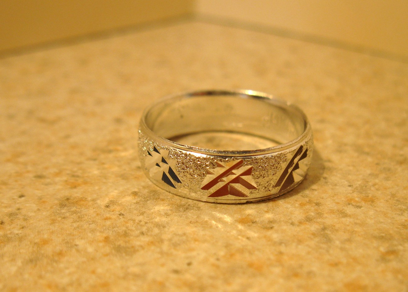 RING MEN WOMEN UNISEX SILVER PLATED BAND SIZE 7.5 #976