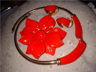 Vintage Jewelry Poinsettia Christmas Broach Necklace Earrin