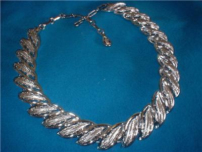Vintage Jewelry Coro  Silver Tone Necklace Beautiful!
