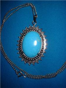 Vintage Jewelry  Pendant On Chain Necklace