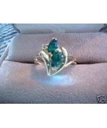 Ladies V Design Oval Austrian Crystal Emerald Ring NIB - $18.00