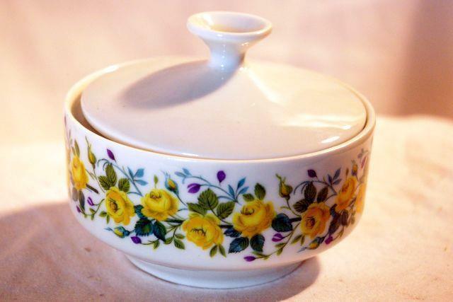 Winterling Schwarzenbach Yellow Rose Mini Covered Sugar Bowl - $9.69