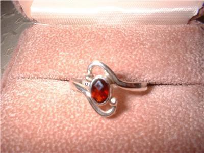 Ladies Sterling Silver Garnet Ring Sz 7.5 NIB