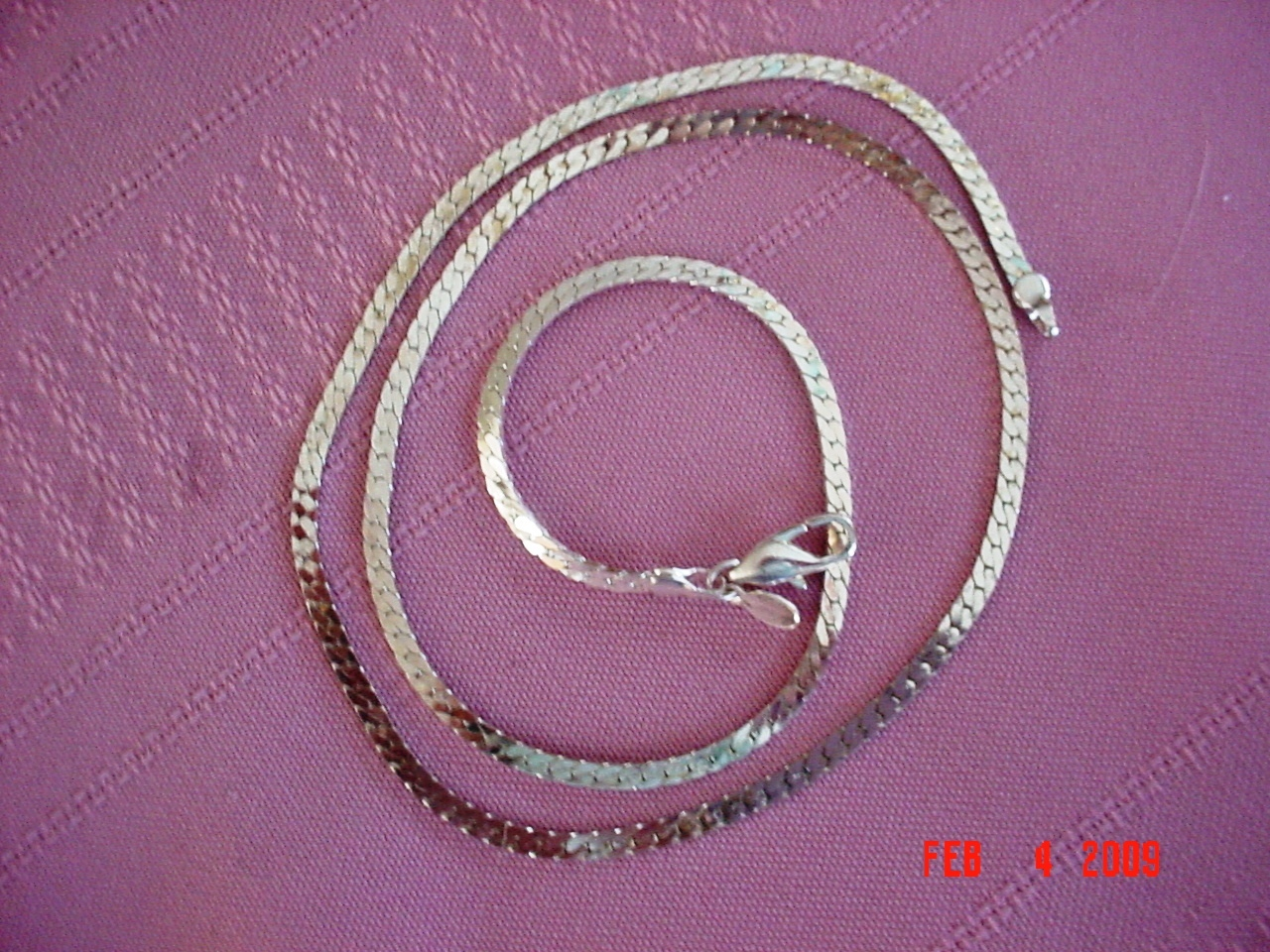 Silver Plated 18 inch Herring Bone Necklace Mint