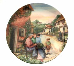 Royal Doulton Old Country Crafts The Lacemaker Susan Neale Collector Plate - $35.41