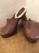 Womens Bass Brown Leather Clogs Flower Vickie 10M Shoes - $15.00