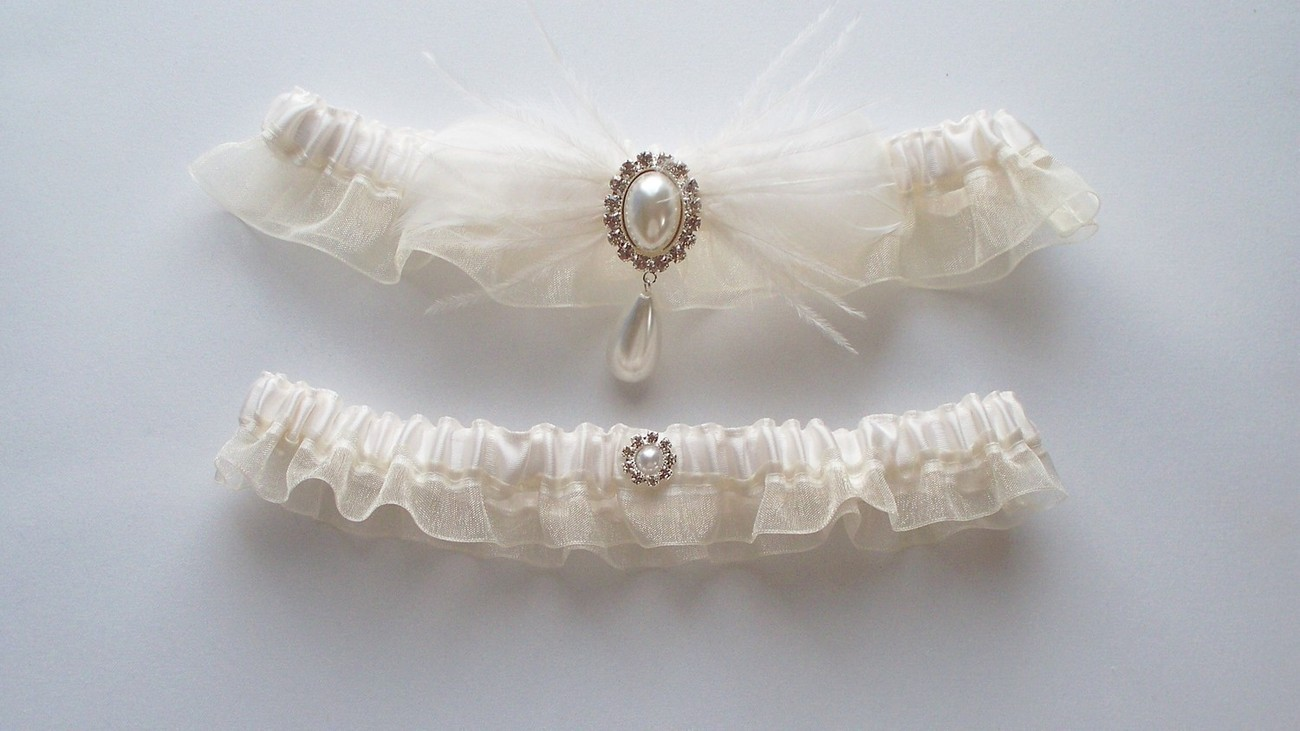 BRANDI Ivory Feather Garter Set Topped by Pearl and Rhinestone Centering