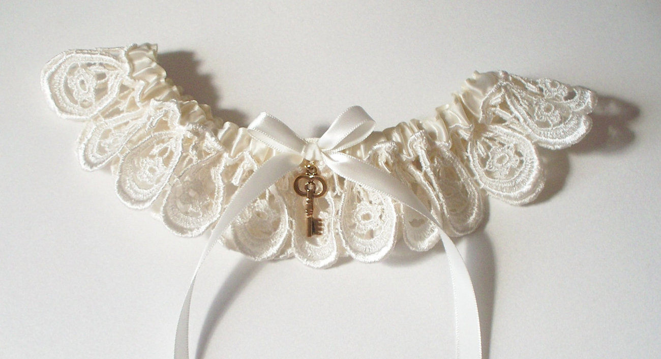The NATASHA Ivory Lace Garter with Key Charm - Other Charms Available