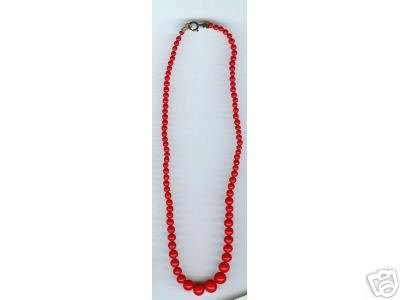 "Red Glass Bead Necklace 15"" Graduated size beads"