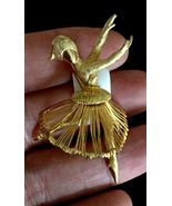 BALLERINA DANCER Gold-Tone Wire Vintage BROOCH Pin - signed MONET - 2 1/4 inches - $25.00