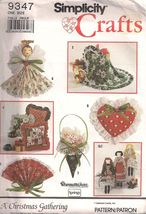 Simplicity Crafts 9347 A Christmas Gathering Ornaments Decor Pattern - $12.99