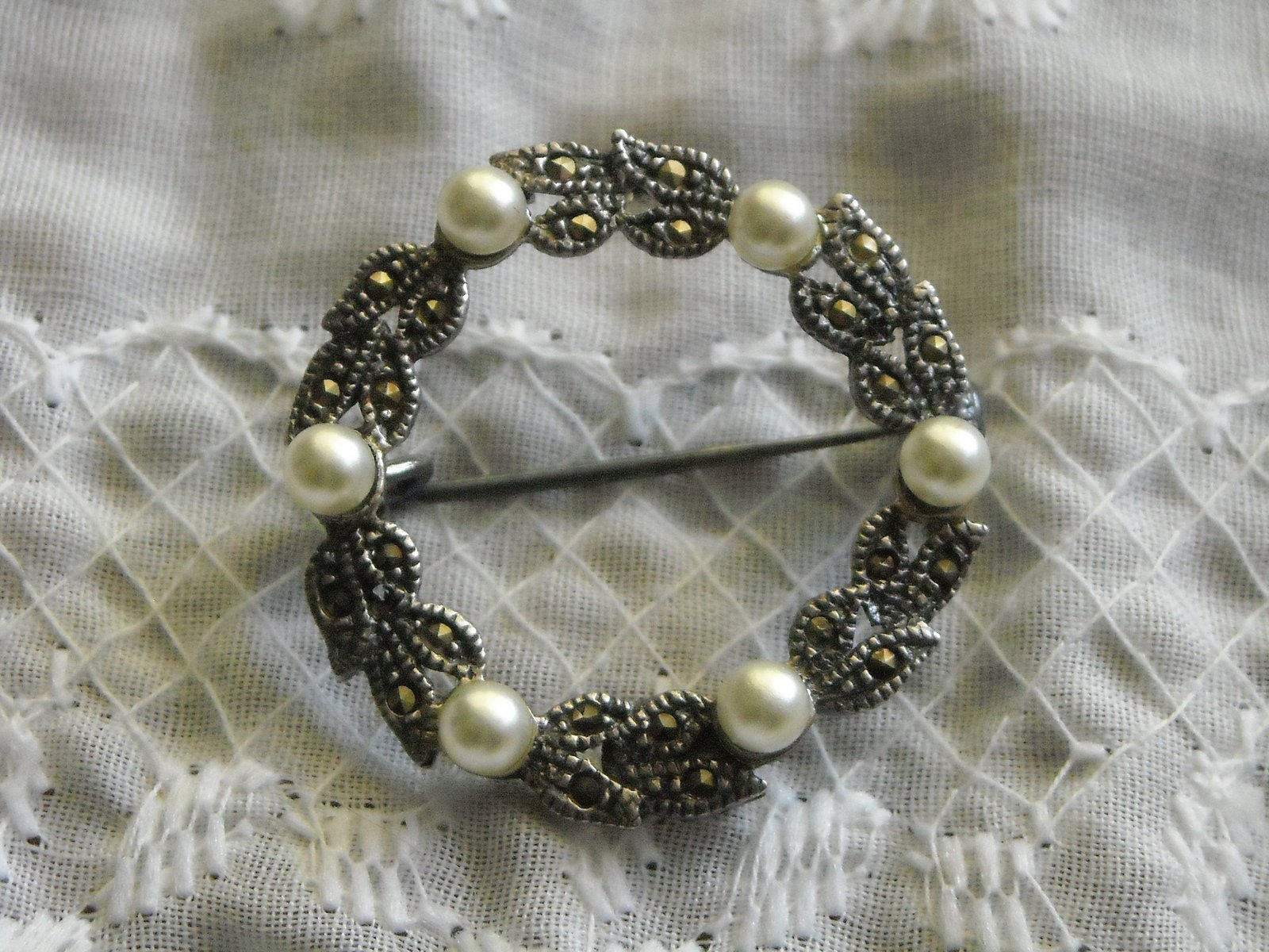 "Vintage Pin Brooch Sterling Circle of Tiny Marcasites & Pearls 1 1/8"" Across"