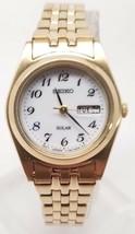 Seiko Solar Quartz Ladies White Day Date Dial Gold Tone Bracelet Watch SUT118 - $24.00