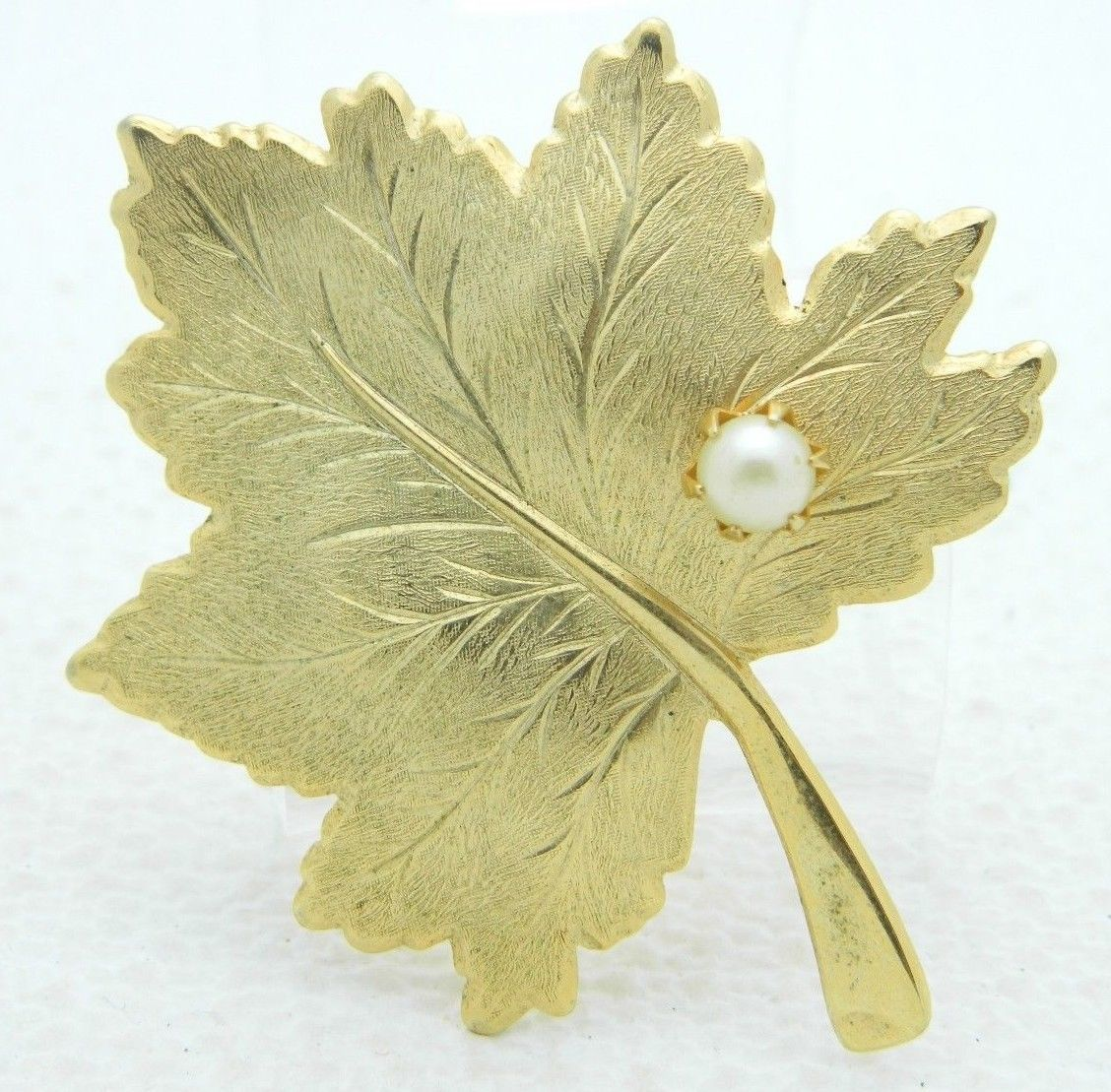 VTG SARAH COVentry Signed Gold Tone Faux Pearl Large Leaf Pin Brooch